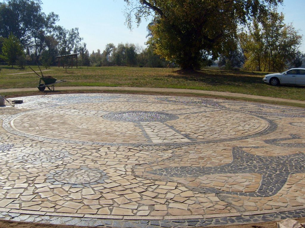Figure: 6 Jessica Bulger and Tumut Community Bila Park Community Art Project Mosaic 2008 Granite and Sandstone Bila Park, Tumut, NSW http://www.tumut.nsw.gov.au/engineering/parks-recreation/bila-park.aspx